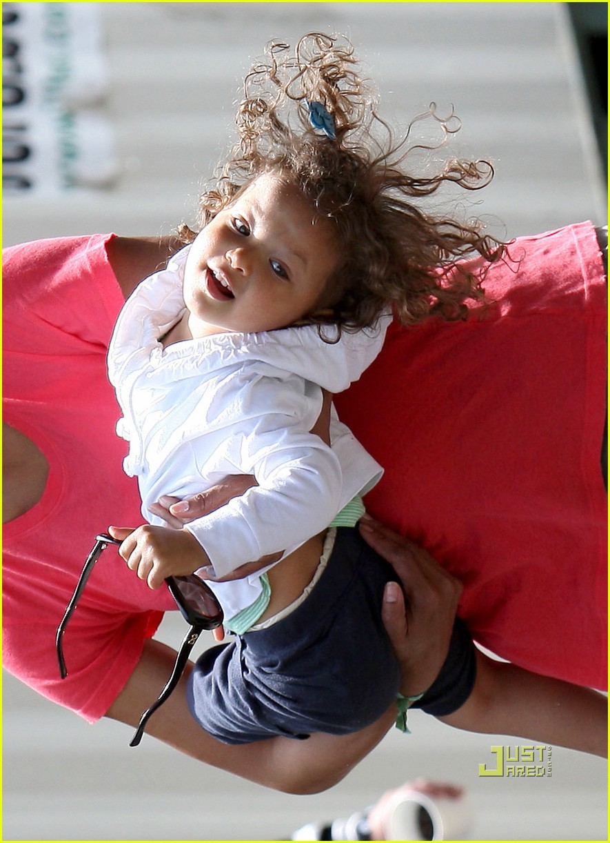 halle berry gabriel aubry zoo nahla aubry 09