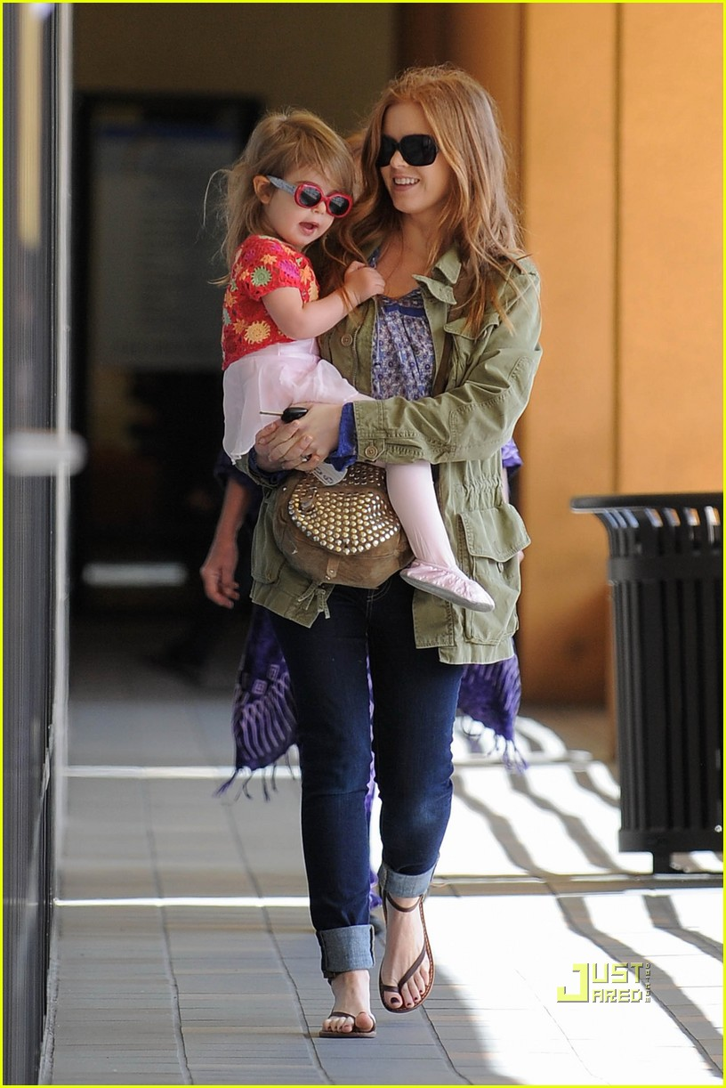 olive cohen isla fisher ballet 19