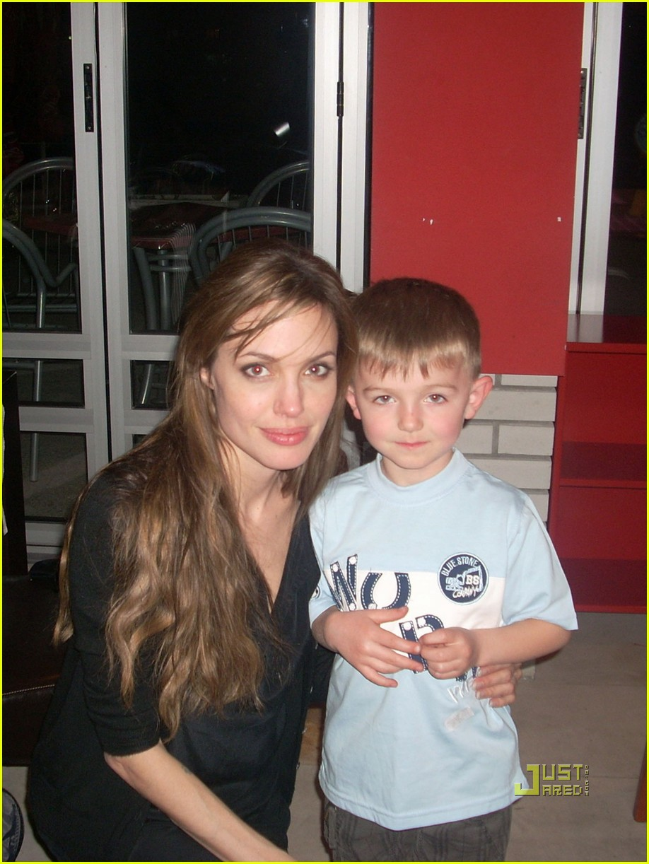 Full Sized Photo of brad pitt angelina jolie gorazde ... Brad Pitt And Angelina Jolie