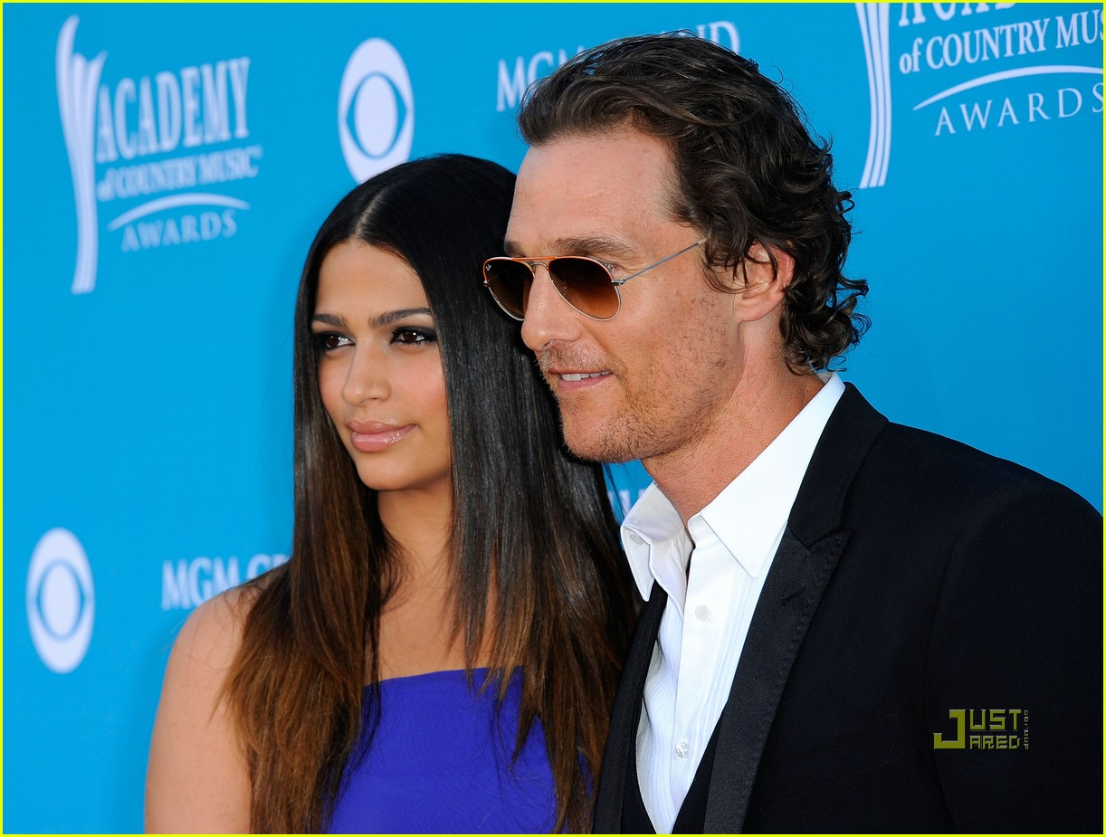 matthew mcconaughey acm awards camila alves 08
