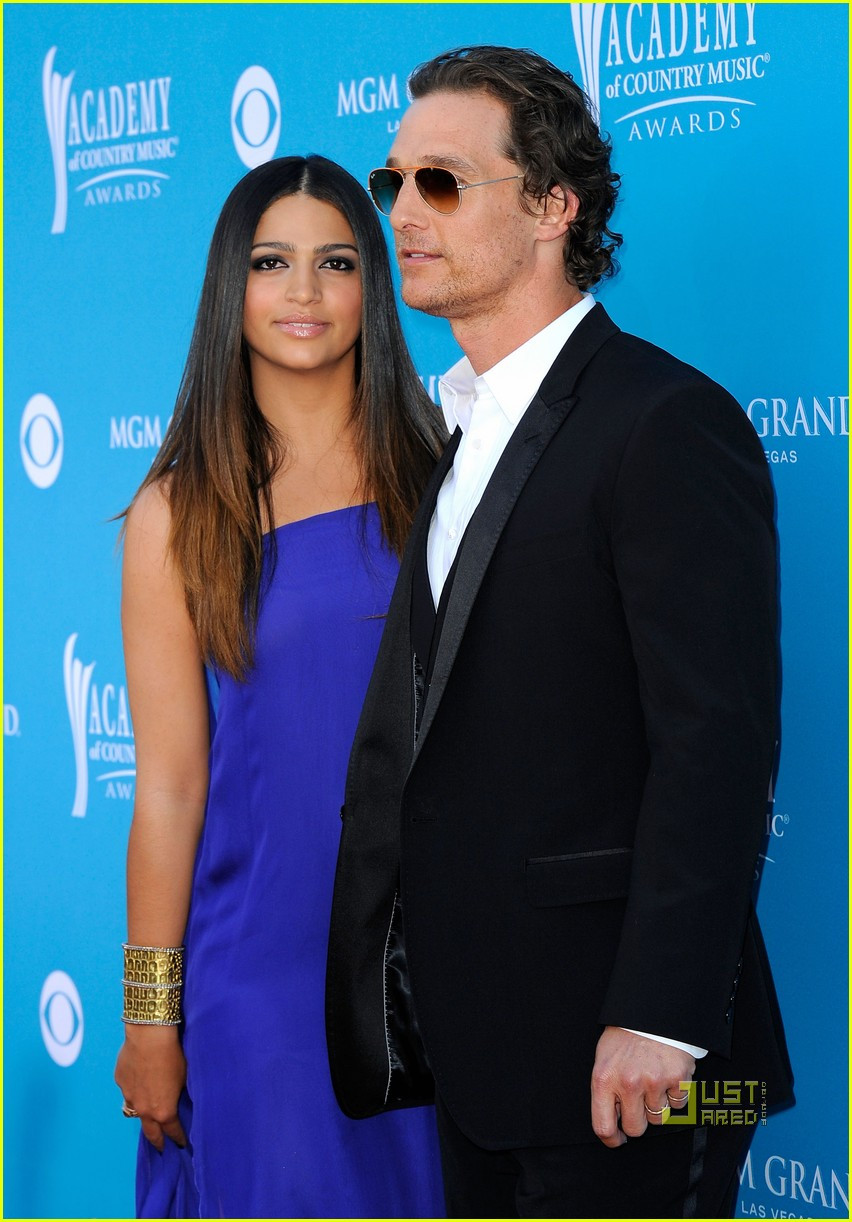 matthew mcconaughey acm awards camila alves 09
