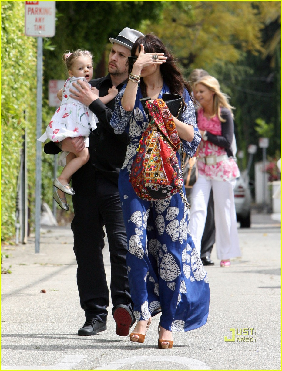 nicole richie easter sunday mass 02