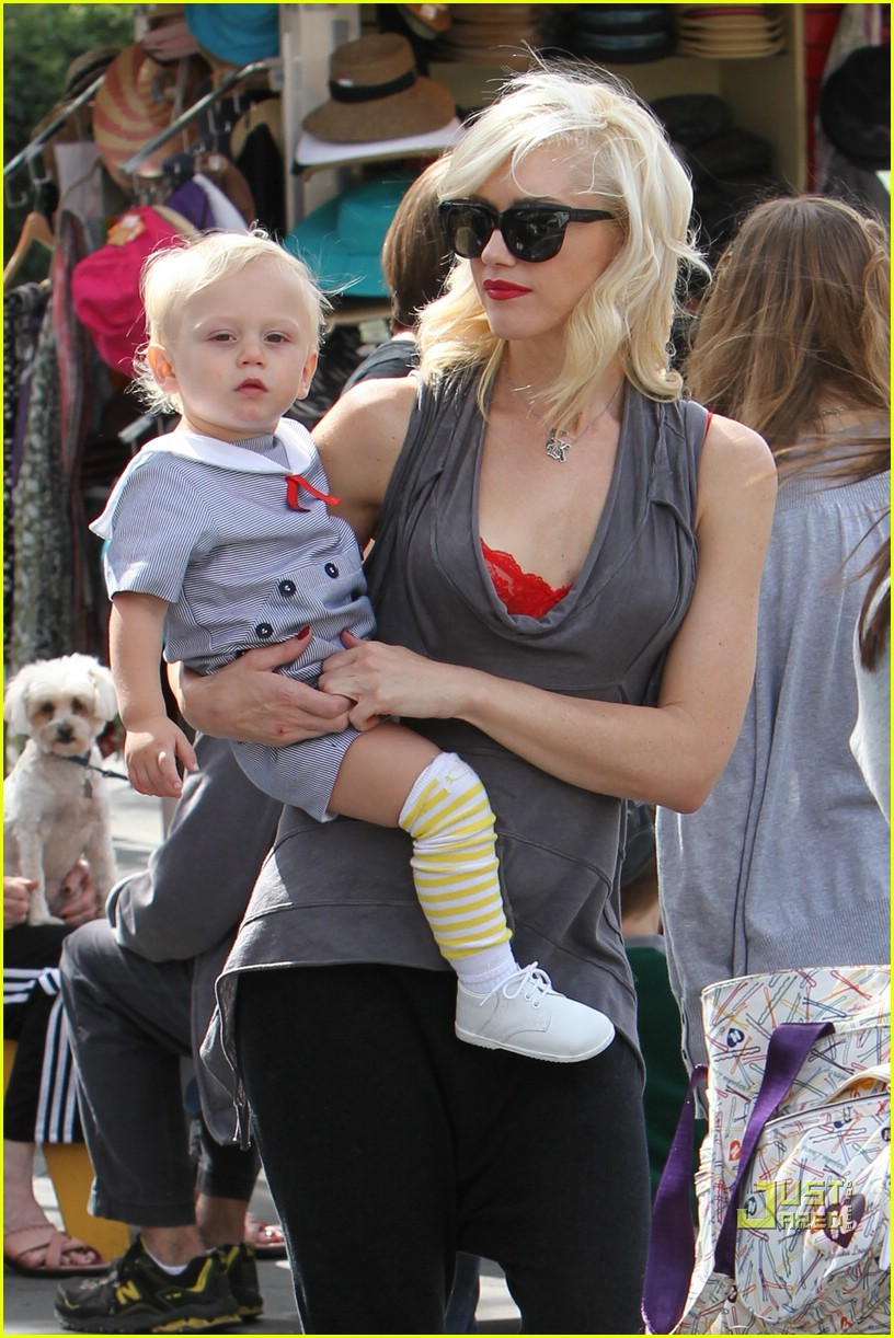 gwen stefani bonding boys 01