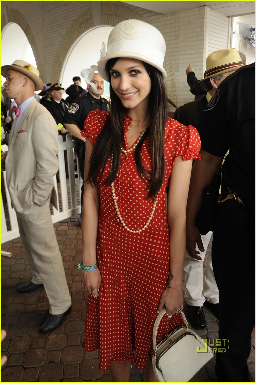 ashlee simpson pete wentz kentucky derby 01
