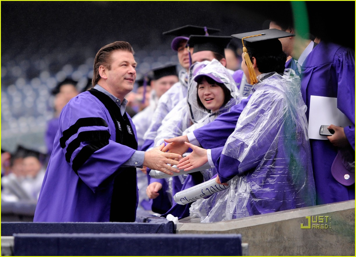 alec baldwin nyu commencement speaker 03
