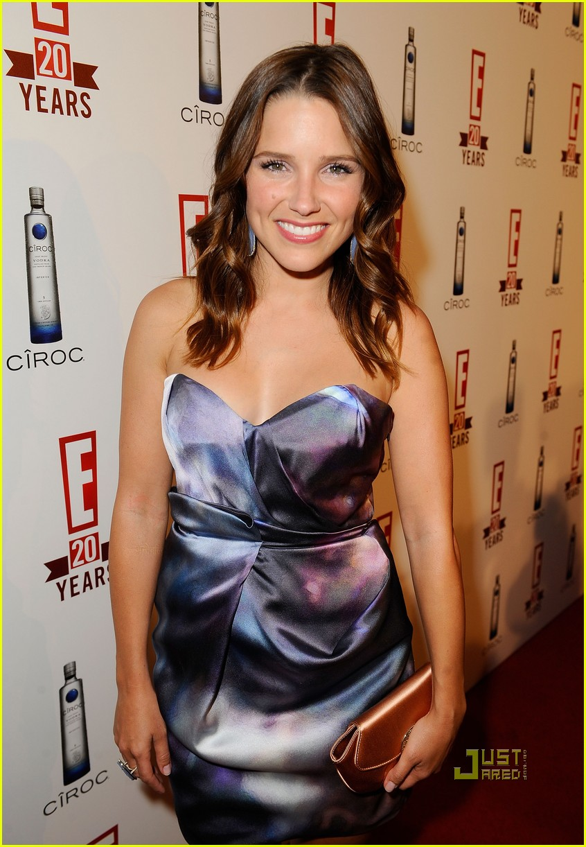 sophia bush austin nichols red carpet 05