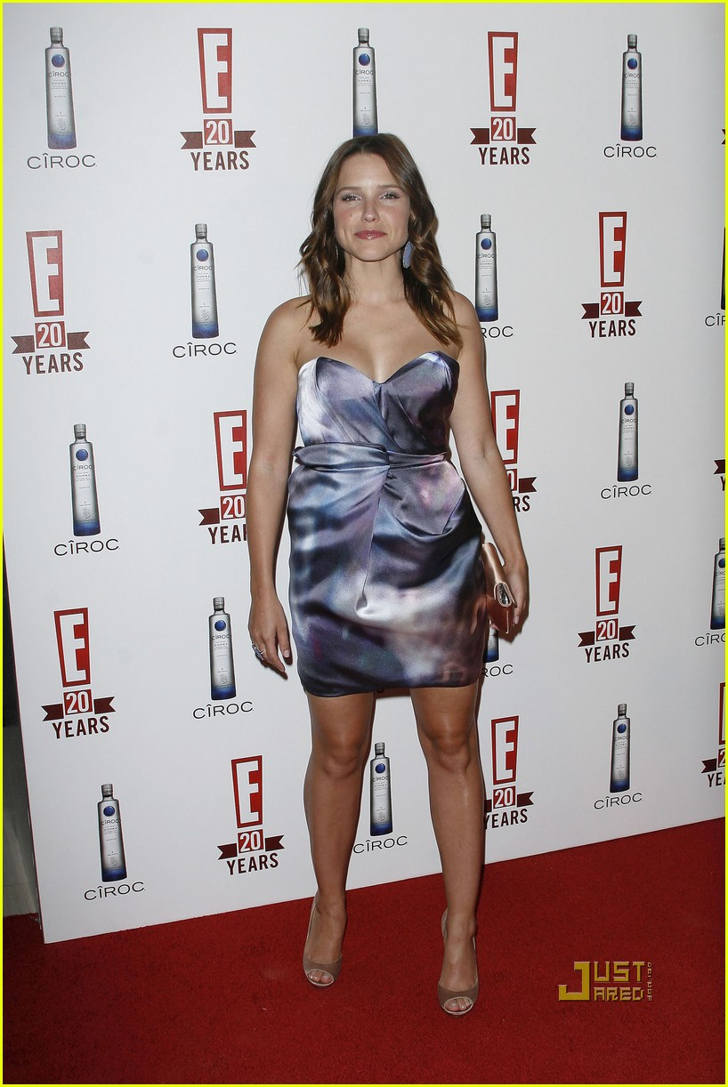 sophia bush austin nichols red carpet 11