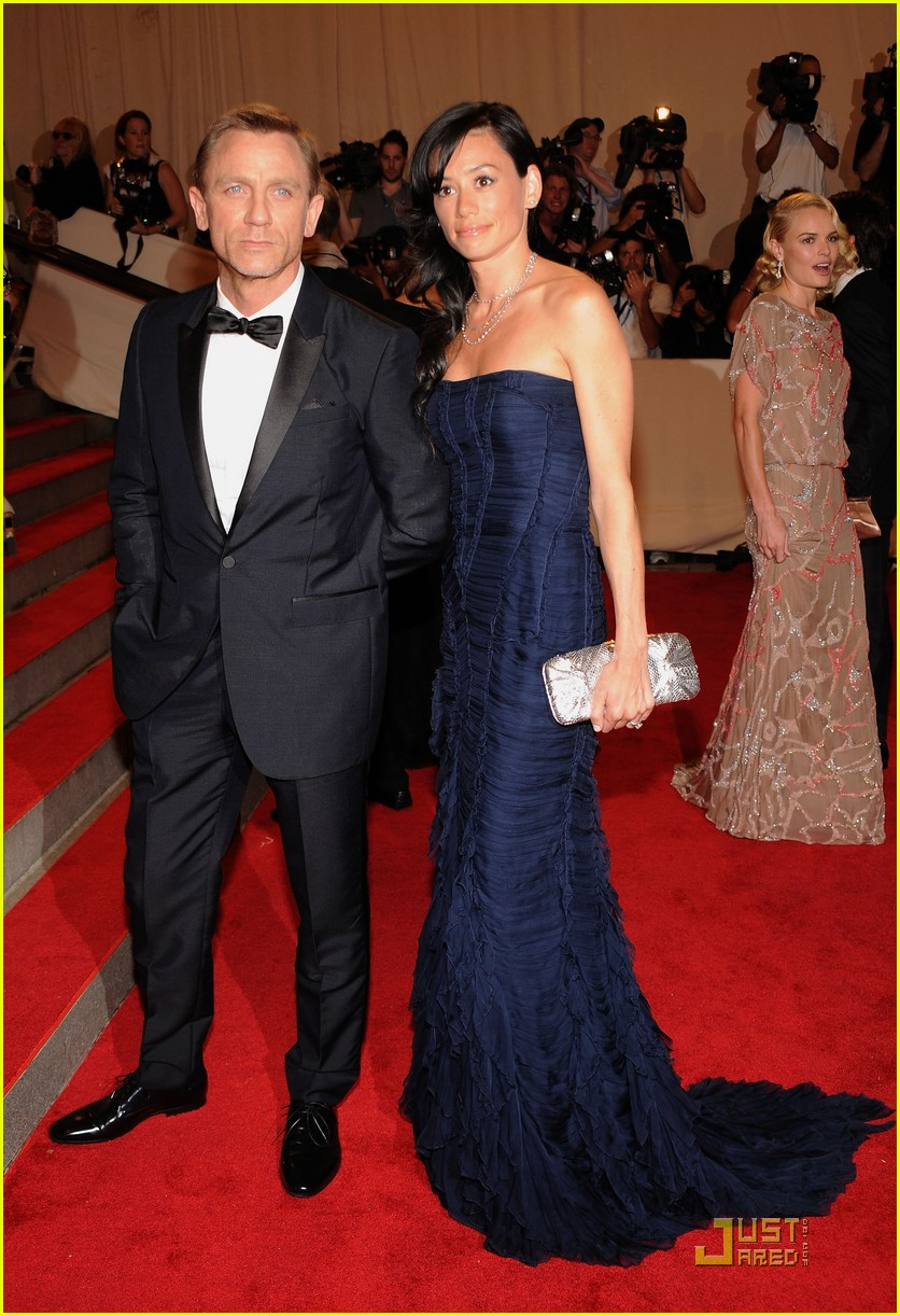 daniel craig met ball 2010 05