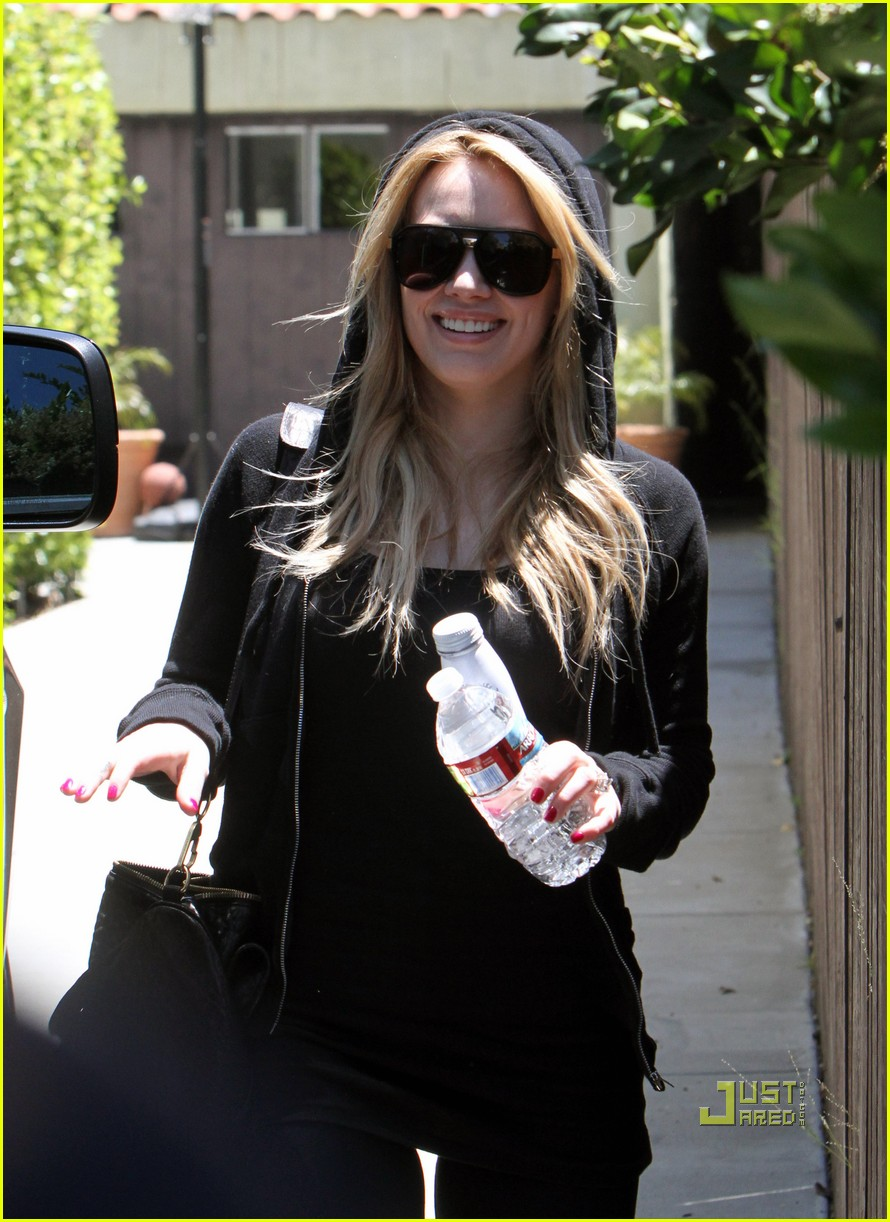 hilary duff mike comrie pasternak 11