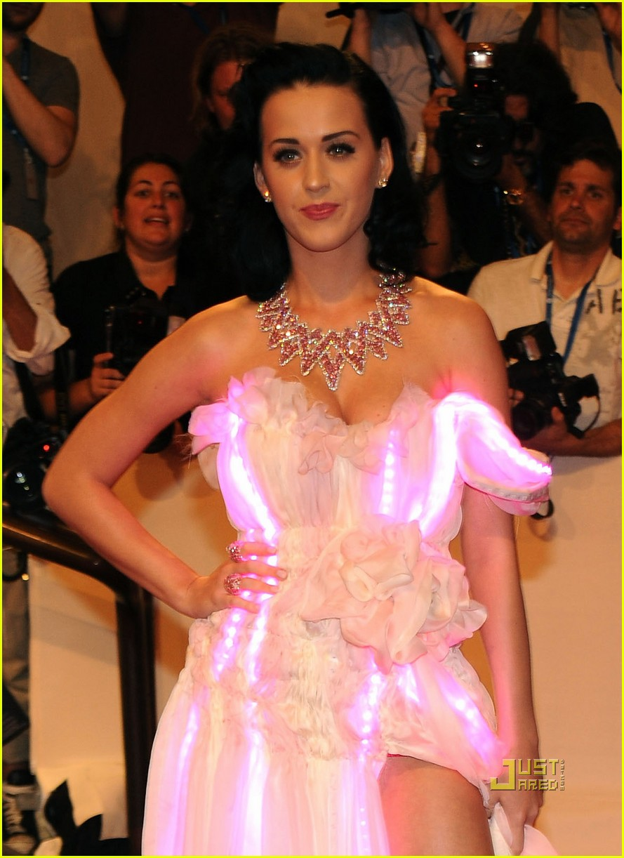 katy perry met ball 2010 04
