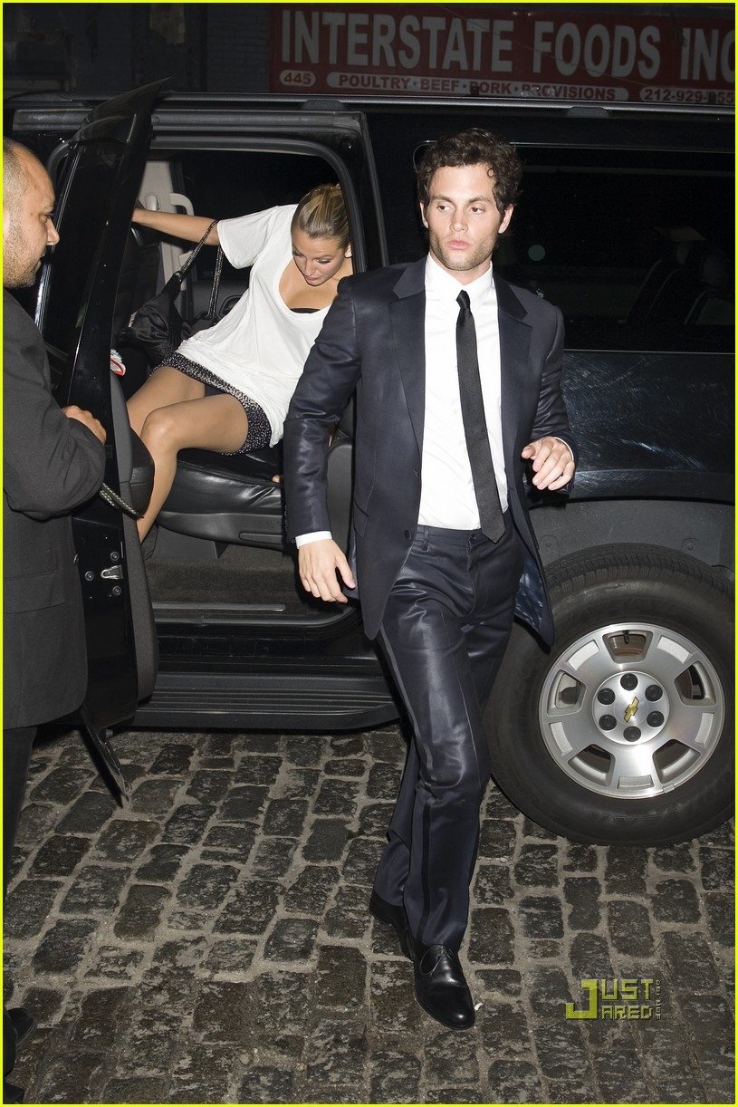 penn badgley met ball 2010 042448096