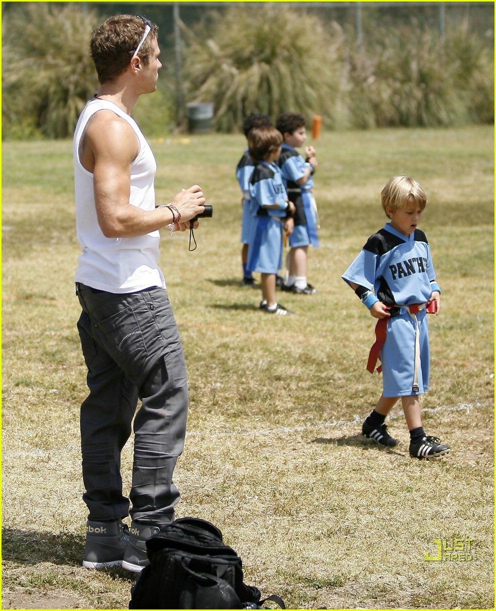 ryan phillippe deacon flag football 06