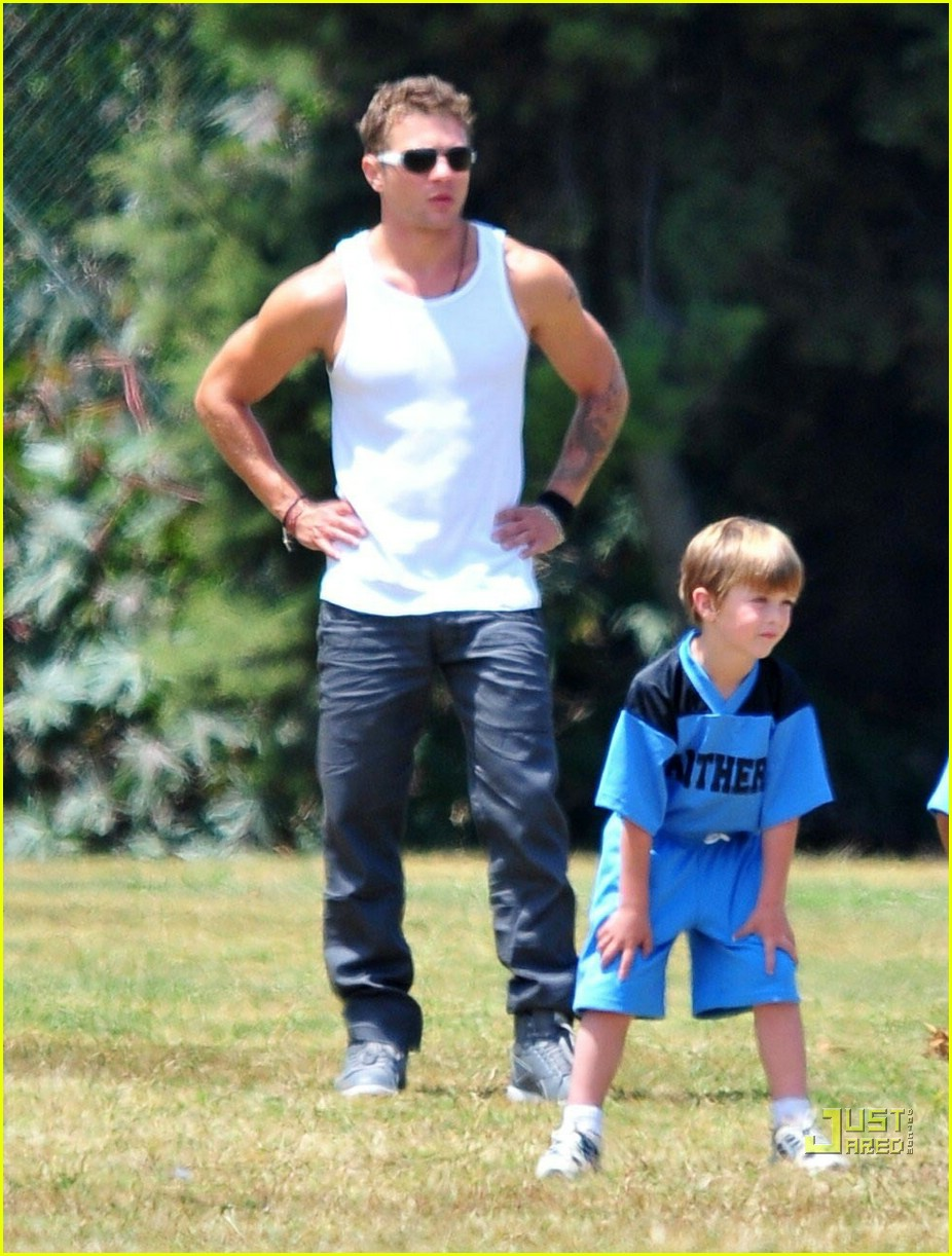 ryan phillippe deacon flag football 11