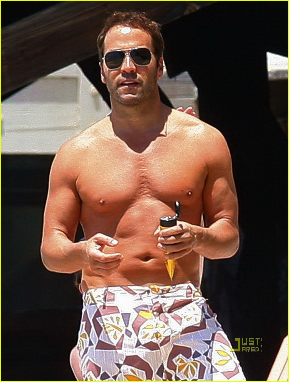 jeremy piven shirtless 03