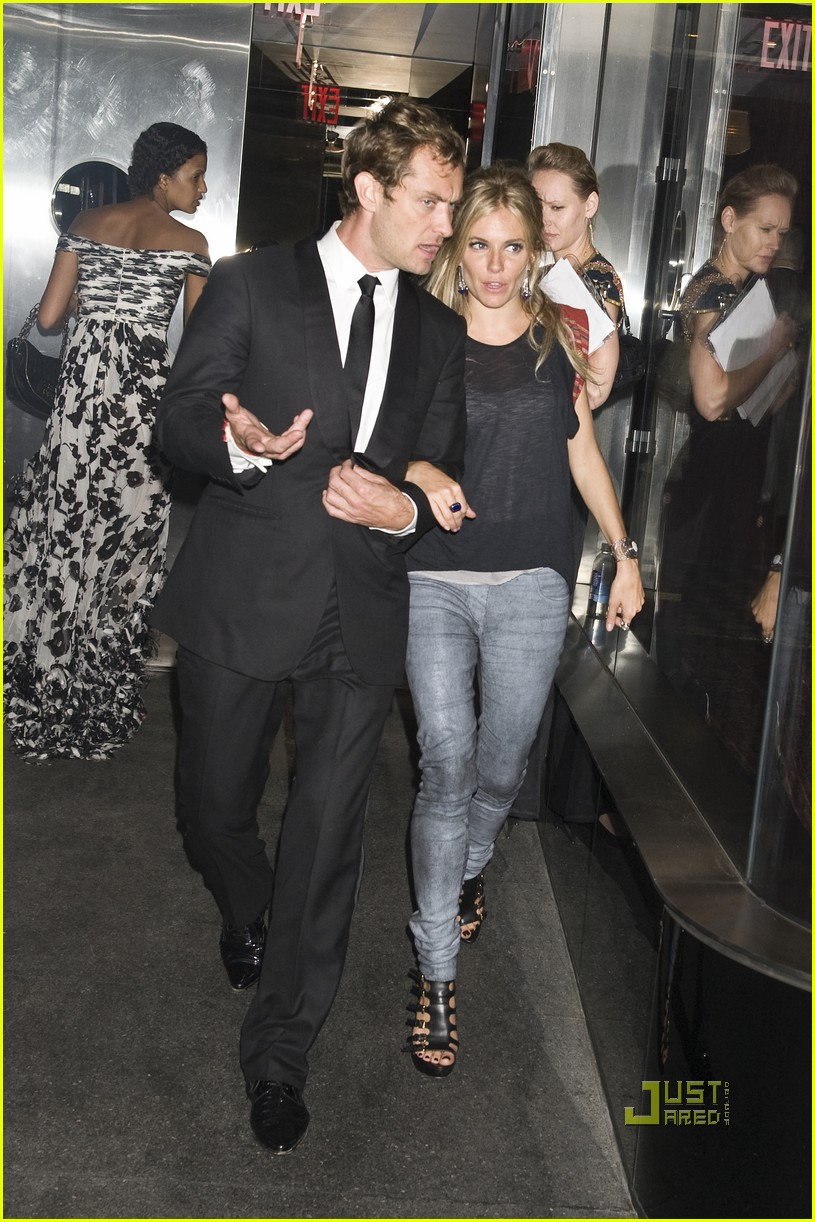 Jude Law & Sienna Miller: Pastis Pair Jude Law