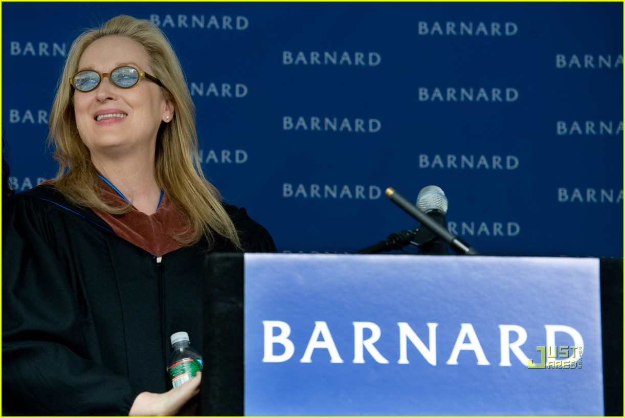 meryl streep barnard college college commencement 02
