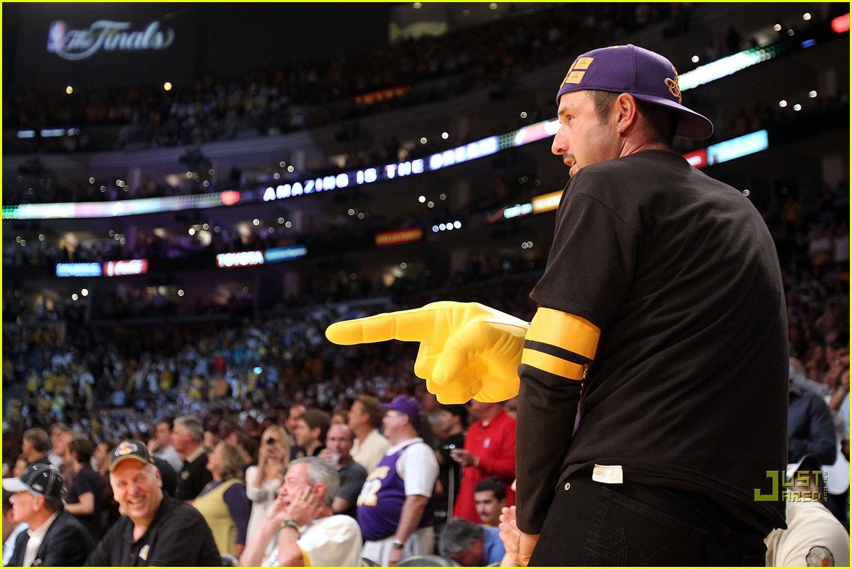 christina aguilera lakers win 20