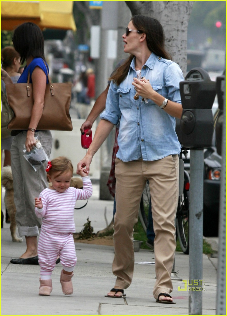 jennifer garner seraphina affleck groceries 03