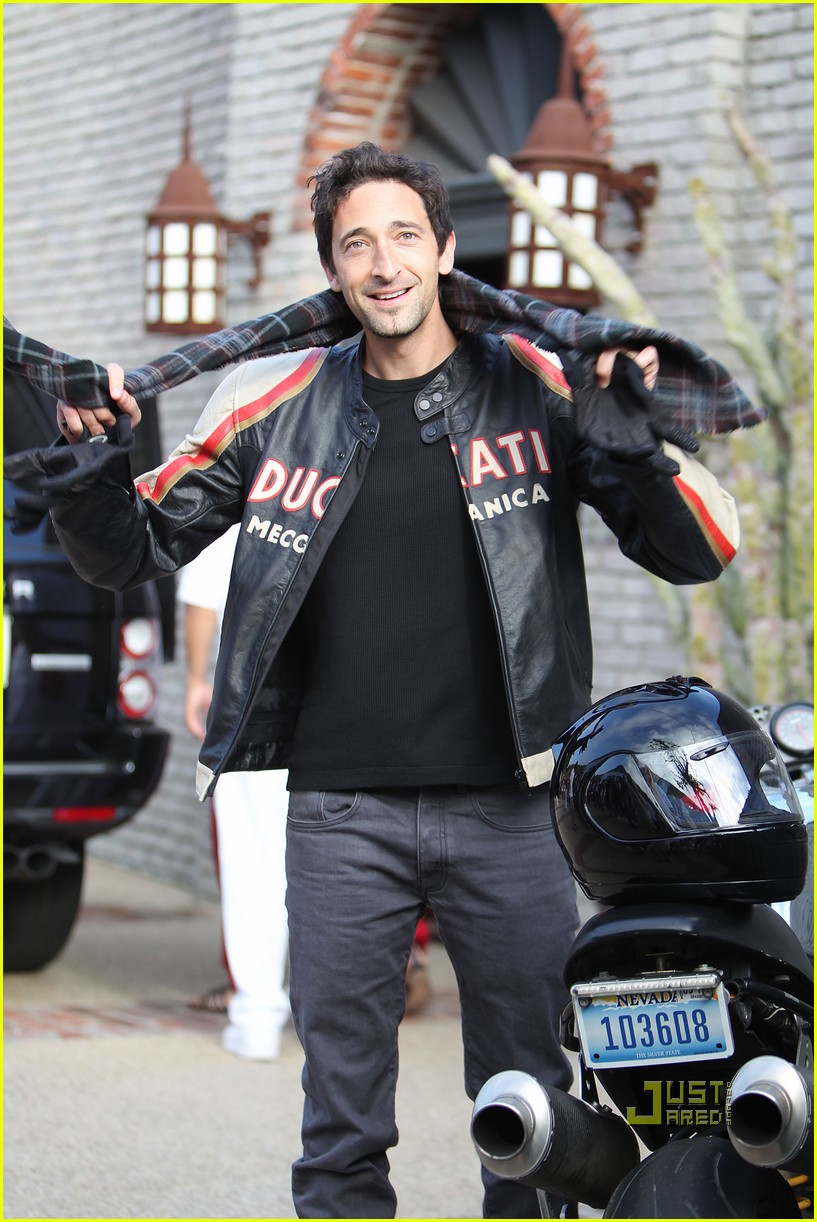 january jones adrien brody 02