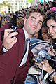 robert pattinson eclipse premiere 01