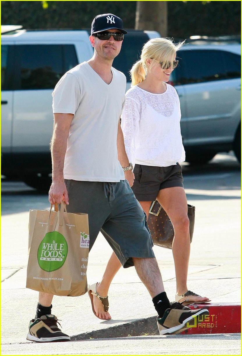 reese witherspoon whole foods 082461931