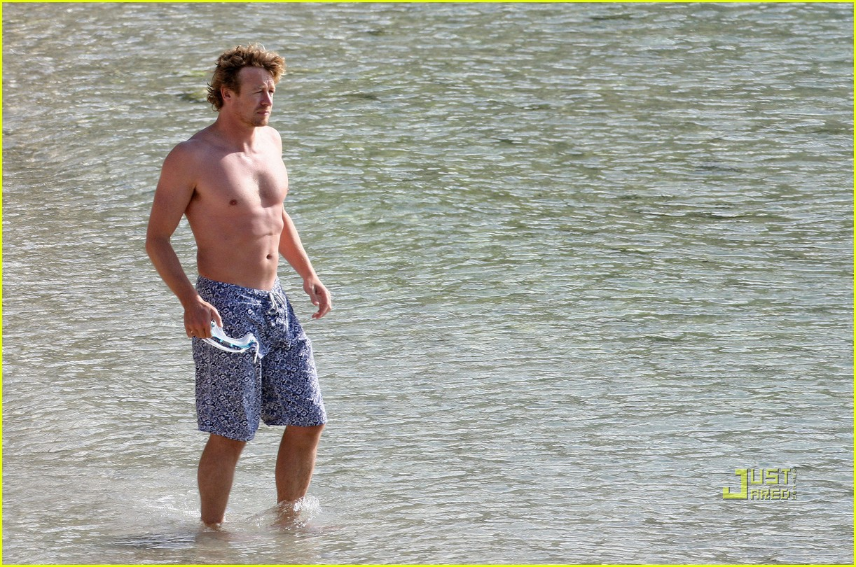 shirtless simon baker 26