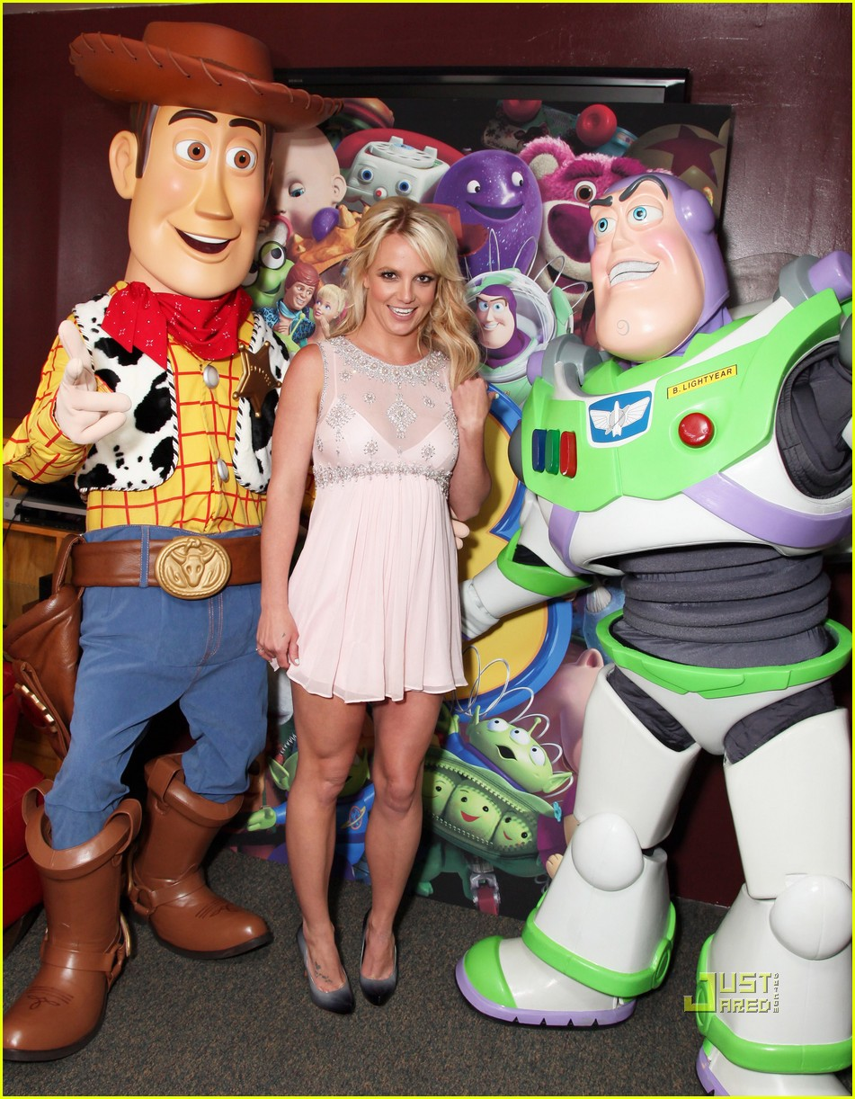 britney spears toy story 3 premiere01