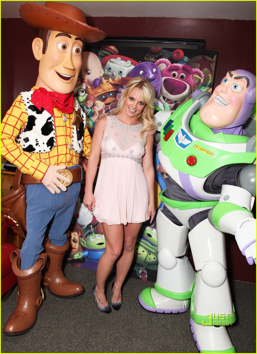 britney spears toy story 3 premiere03