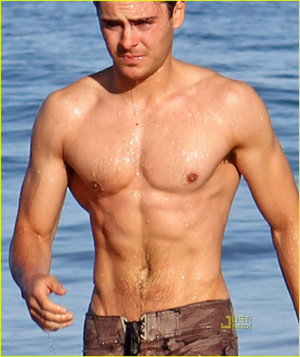 Shirtless Zac Efron Has Better Situation