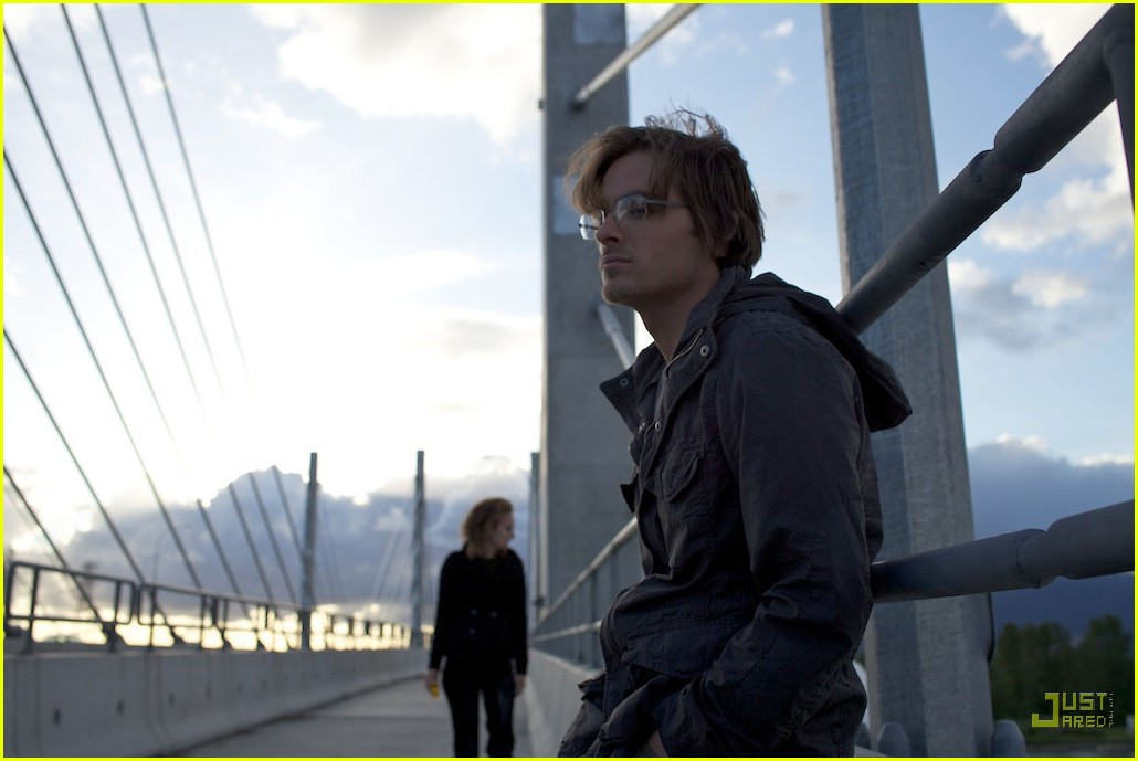 kevin zegers adelaide clemens vampire 032456208