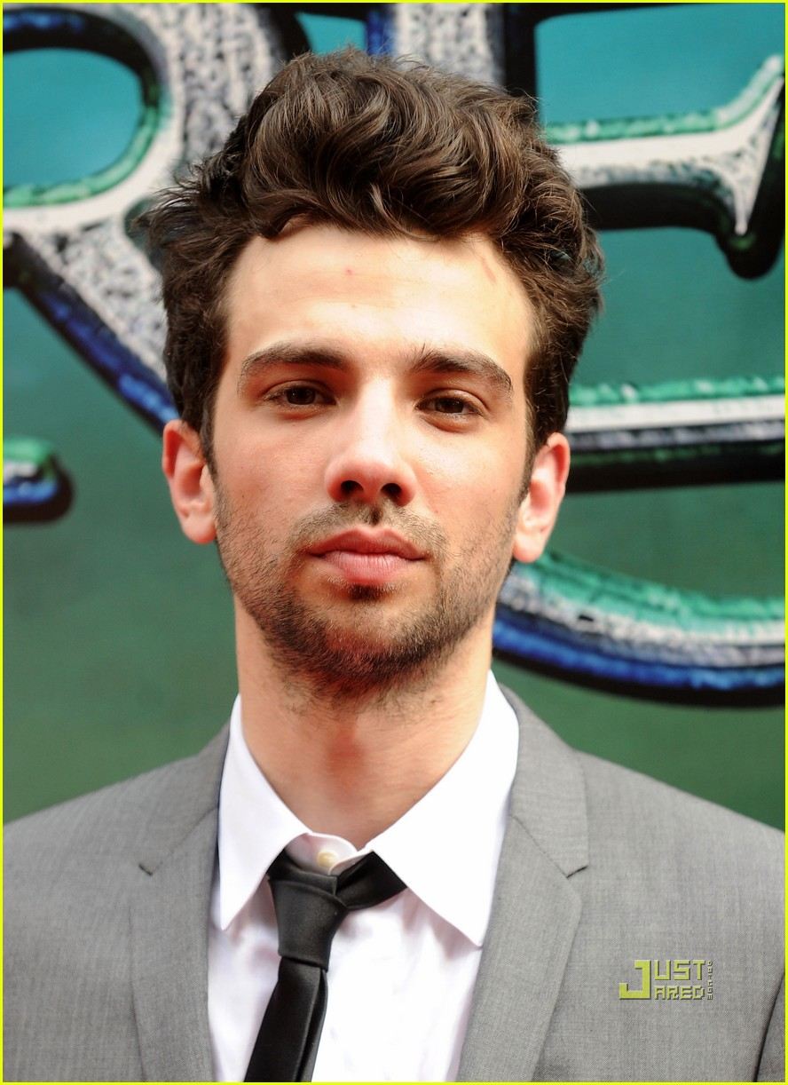 jay baruchel sorcerers apprentice premiere 11