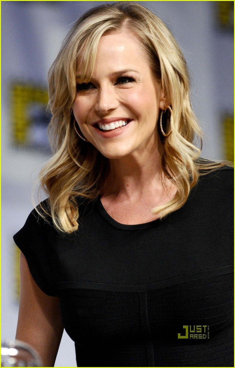 julie benz comic con no ordinary family 06