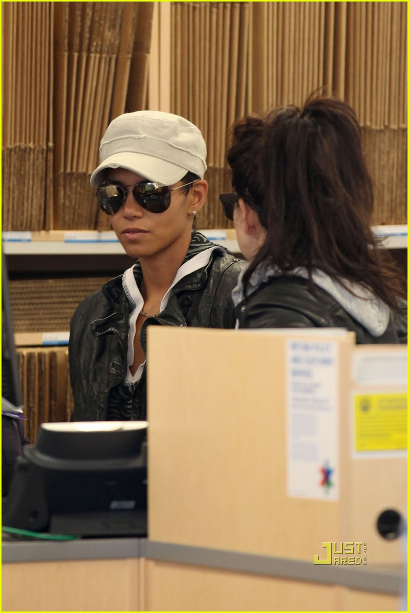 halle berry gets passport 14