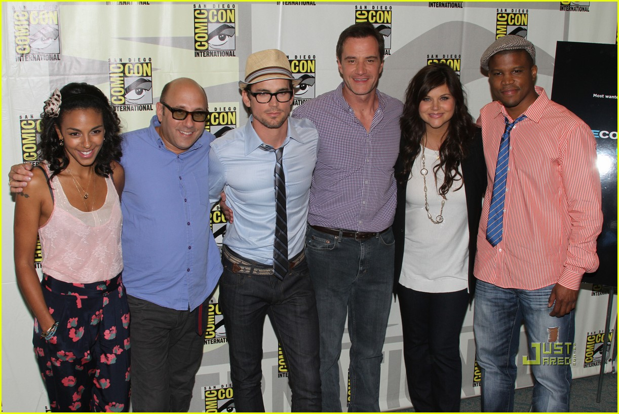 matt bomer comic con 2010 justjared exclusive 02