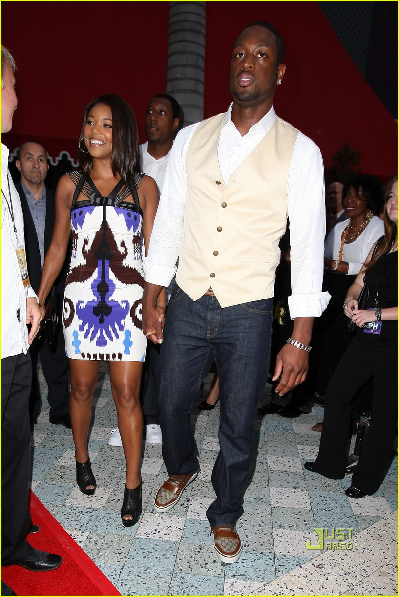 when did gabrielle union and dwayne wade start dating