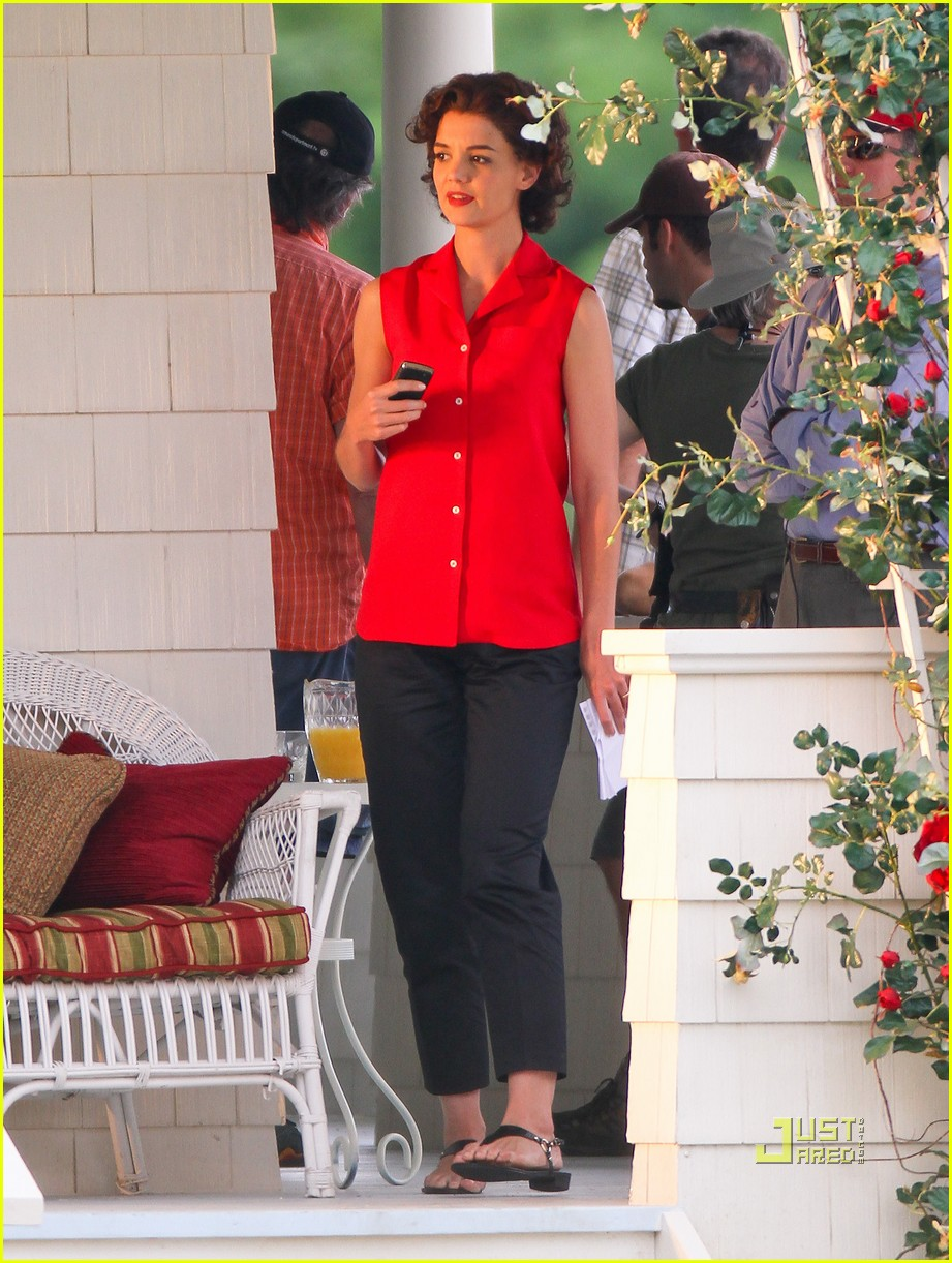 katie holmes the kennedys red top 01