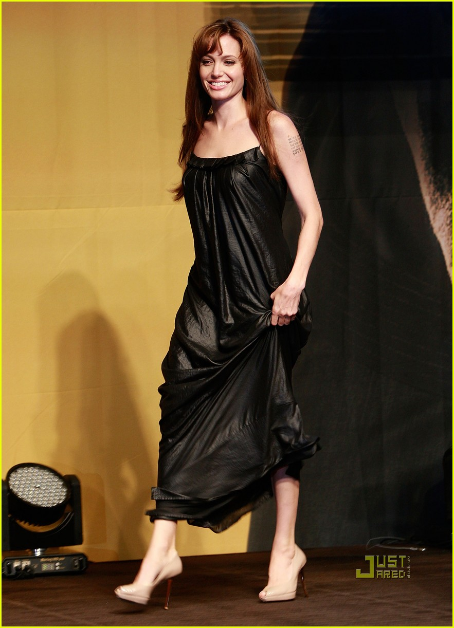 angelina jolie salt seoul press conference 07