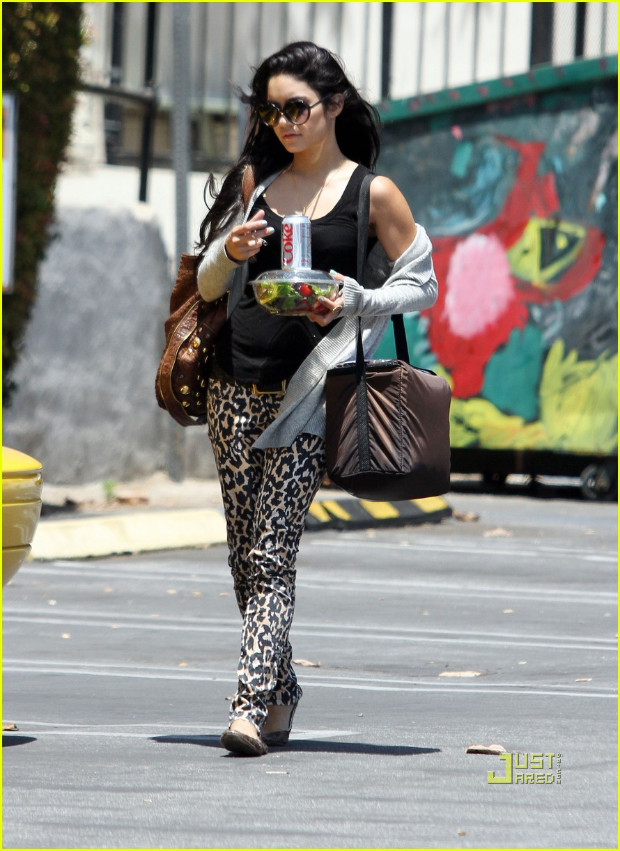 zac efron vanessa hudgens rent lunch 11