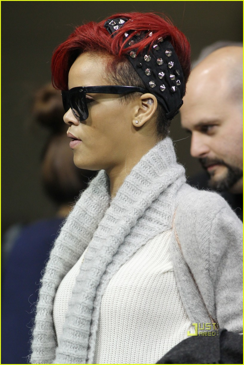 rihanna last girl on north america 01