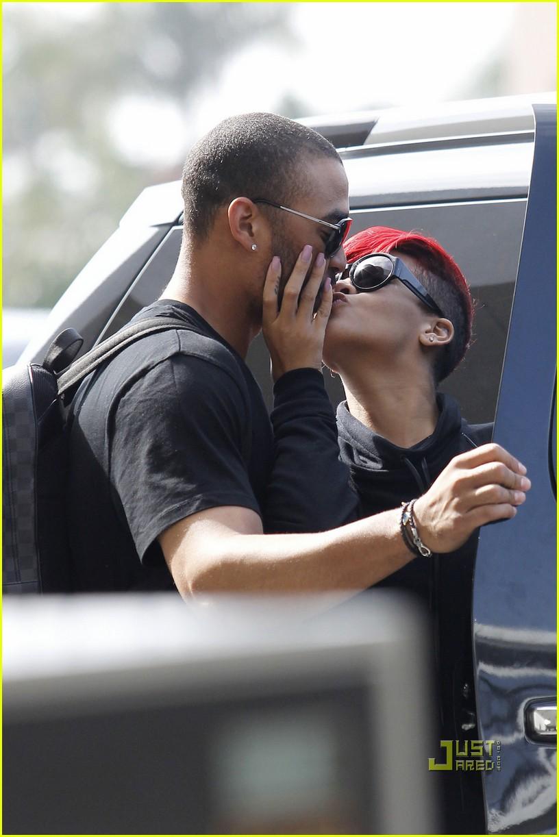 rihanna matt kemp kiss lax 07