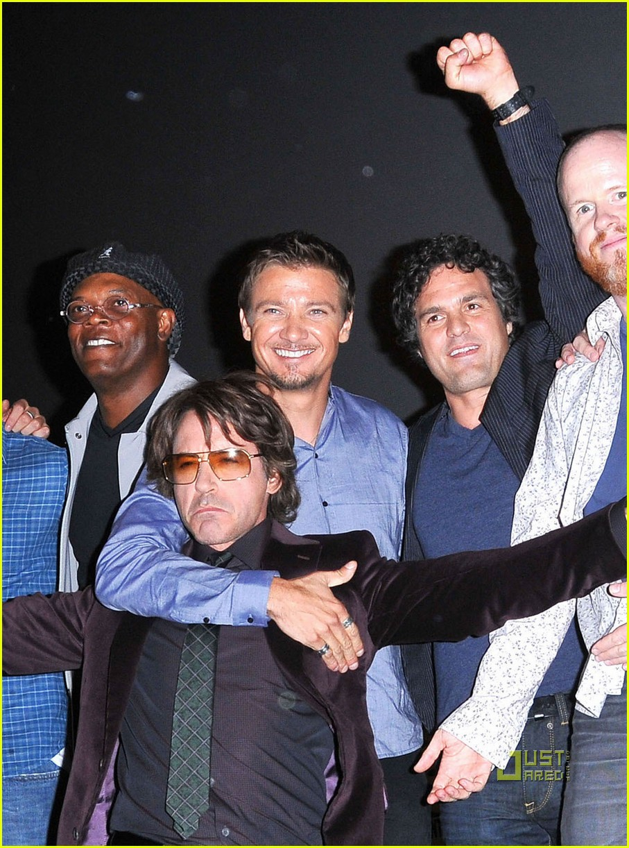 mark ruffalo comic con jeremy renner 01