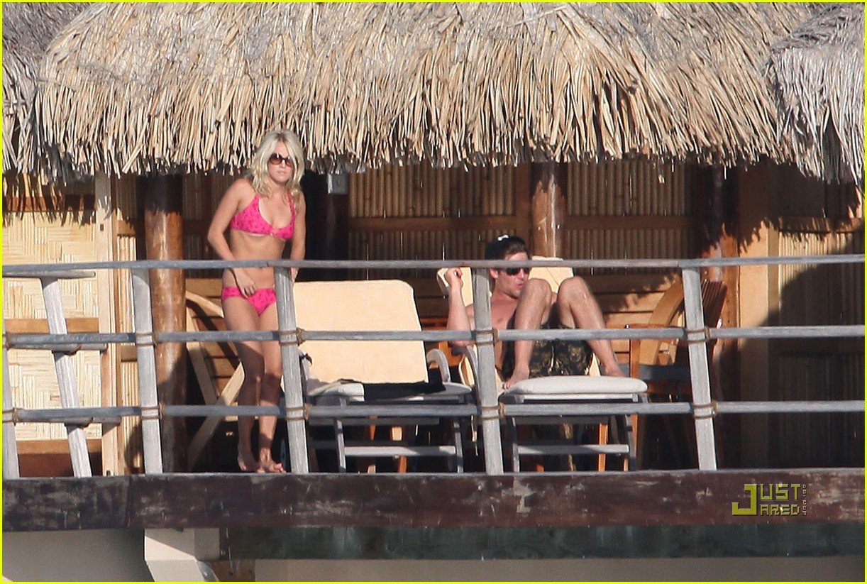 carrie underwood honeymoon bikini 03
