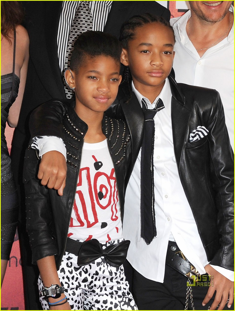 willow smith painted ear outline 042468957