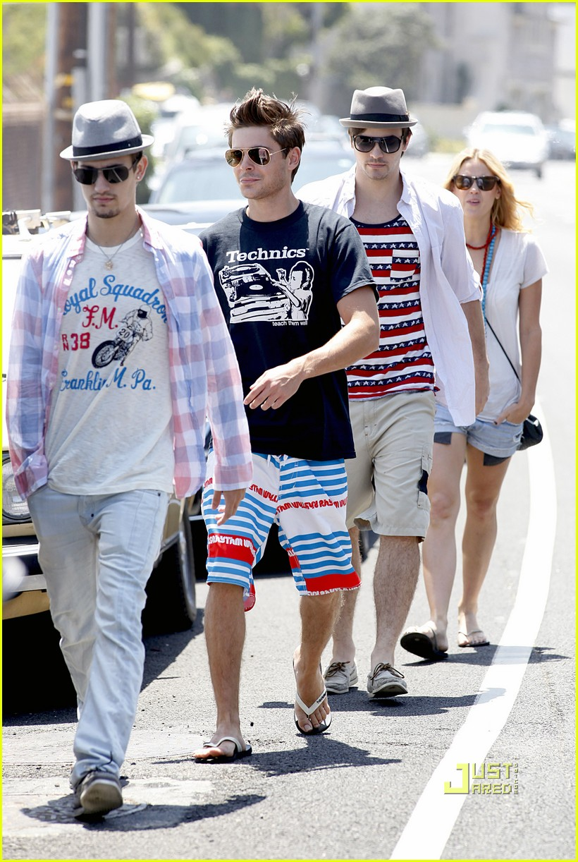 zac efron fourth of july vanessa hudgens 14