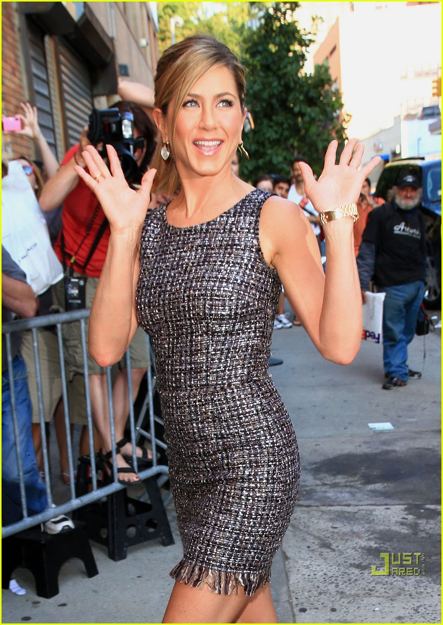 jennifer aniston daily show 022474198