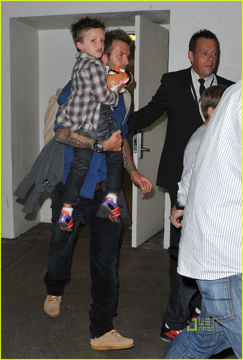 david beckham and kids toy story fans 01