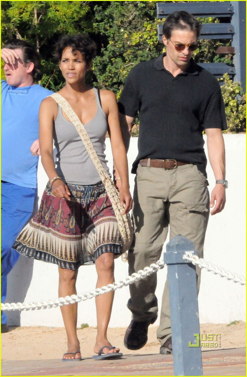 halle berry olivier martinez dark tide cape town 07