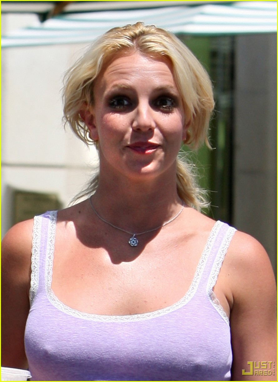 britney spears purple tank top starbucks 05