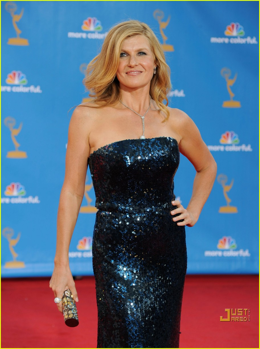 connie britton 2010 emmys red carpet 05