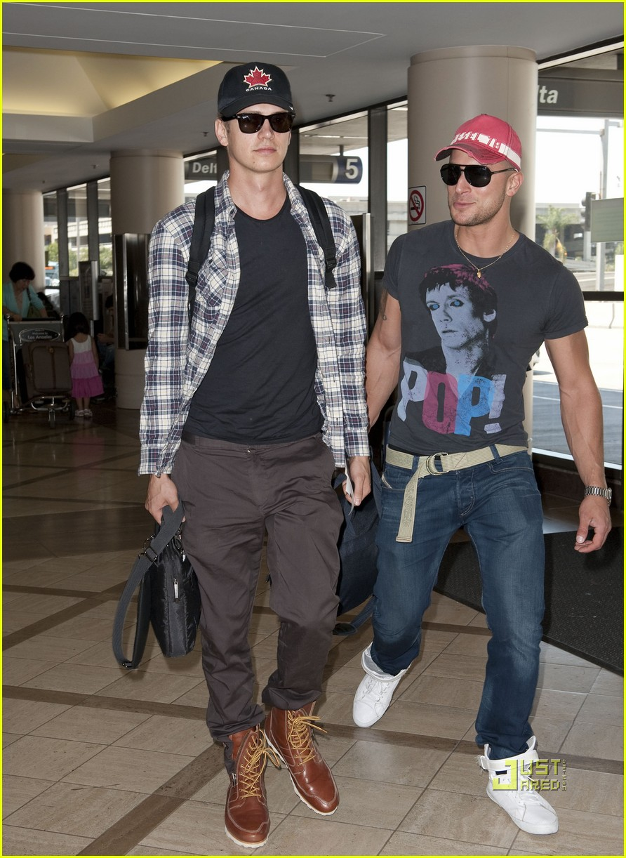 hayden christensen canadian at lax 01